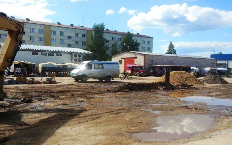 04.07.2017, п.Урдома, ремонт площади к праздникам.