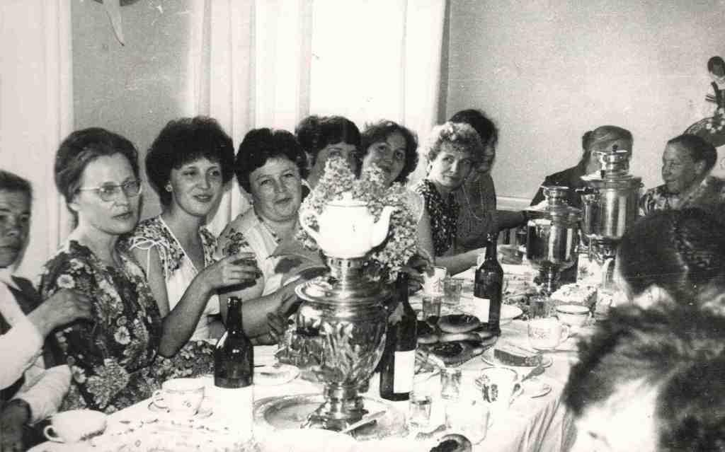 Ежегодно в коллективе больницы отмечались праздники «День медицинского работника», веселились на Новогодних огоньках, проводах ветеранов на заслуженный отдых и т.п. Празднования проходили в Доме культуры, в столовой ОРСа.