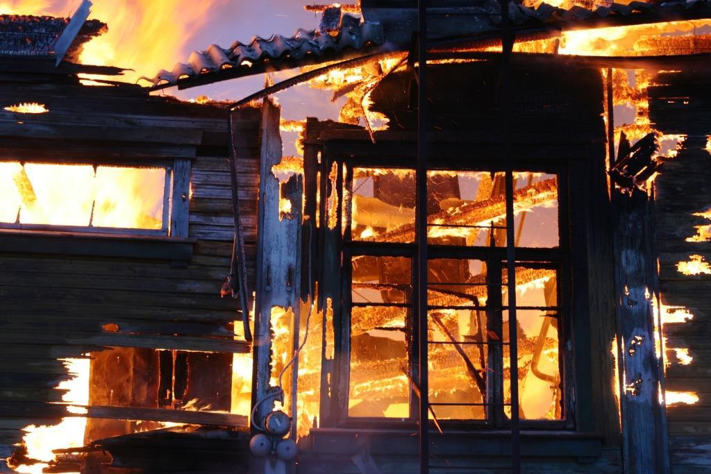 13.12.2007. Пожар в УСШ. школьный звонок. (38) Автор Викторов Н.А.