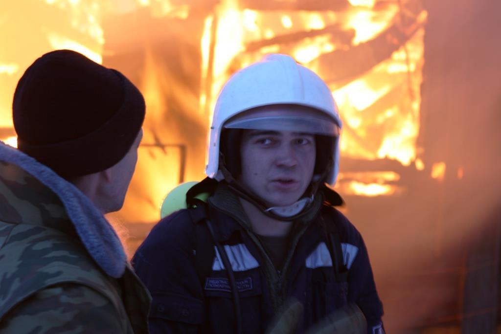 13.12.2007. Пожар в УСШ. Стенин Илья. (64) Автор Викторов Н.А.