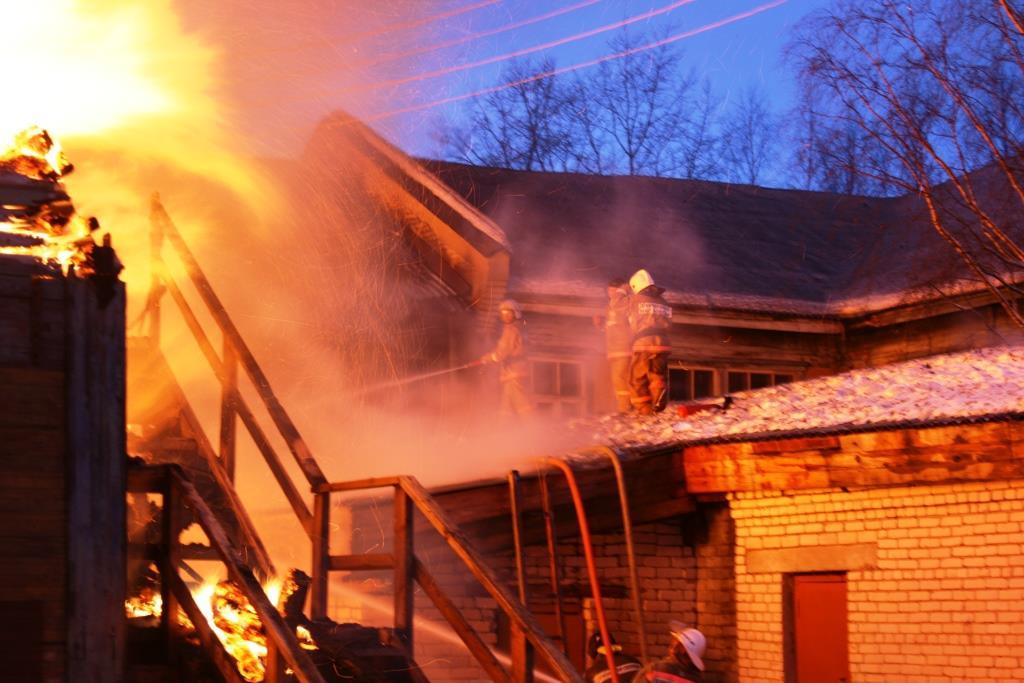 13.12.2007. Пожар в УСШ (76) Автор Викторов Н.А.