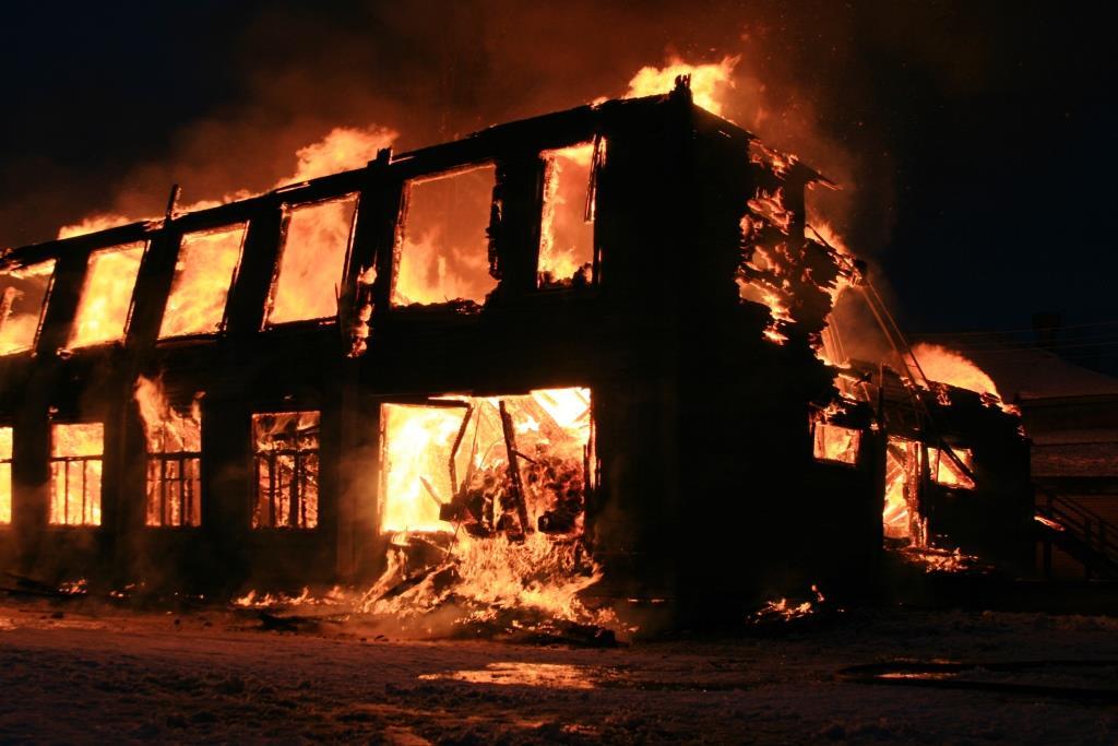 13.12.2007. Пожар в УСШ (77) Автор Викторов Н.А.