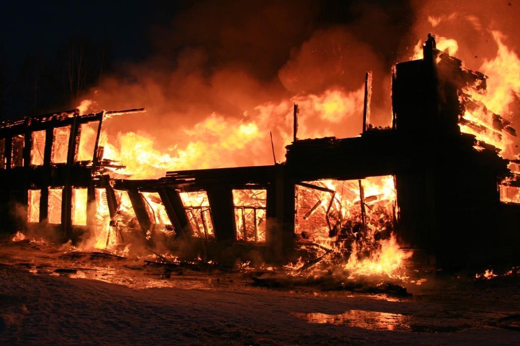 13.12.2007. Пожар в УСШ (80) Автор Викторов Н.А.
