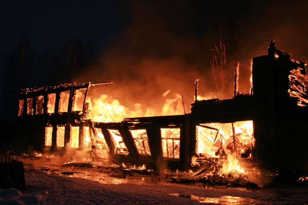 13.12.2007. Пожар в УСШ (82) Автор Викторов Н.А.