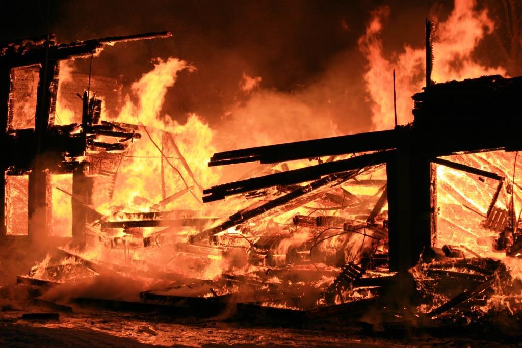 13.12.2007. Пожар в УСШ (83) Автор Викторов Н.А.