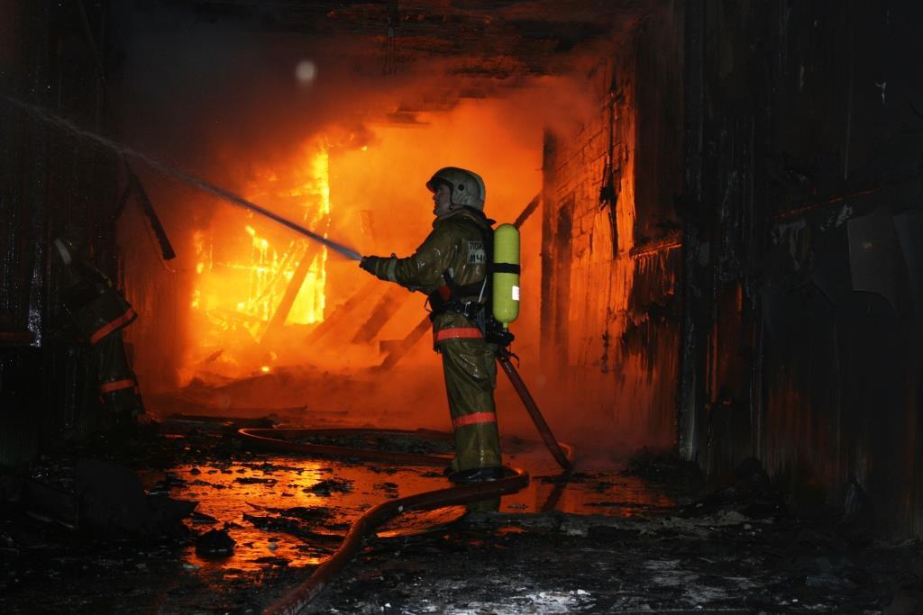 13.12.2007. Пожар в УСШ (85) Автор Викторов Н.А.