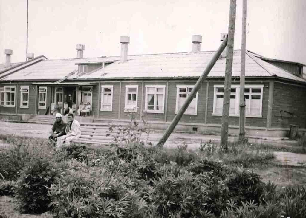 1973 год. Сразу после открытия. Урдомская городская объединенная больница уже работает.