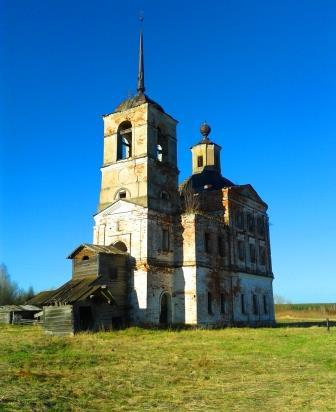 17.05.13 (10) Церковь Воскресения Христова, д. Урдома