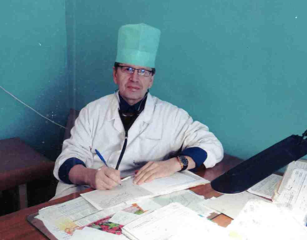Леушев Николай Геннадьевич, врач-терапевт.