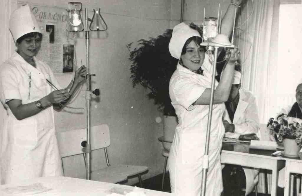 1979 год. Конкурст на звание «Лучшая медсестра больницы». Участники Бережных З.П., Ковалевская Л.Г., Дементьева Надежда..