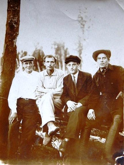 1939 год, Рыбников Жорж, Рудаковский Дмитрий, Абражевич Петр, Мымриков Ал. (1)