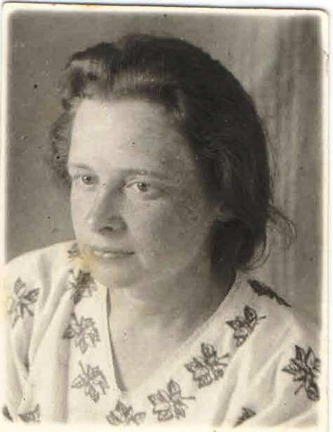 1940, п.Нянда. Богомолова Антонина Александровна 1906 г.р. Семейный архив Геец (Богомолова) Ю.А., п.Урдома.