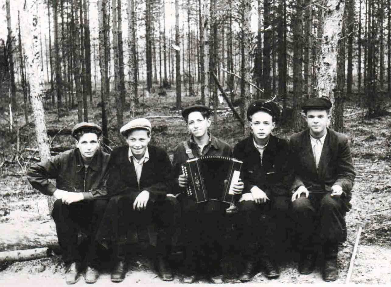 1958, п. Новая Ёль.