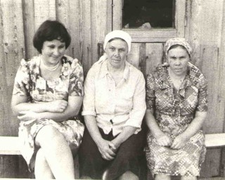 1980-е, слева дочь Вера, Няня, тётя Нюра