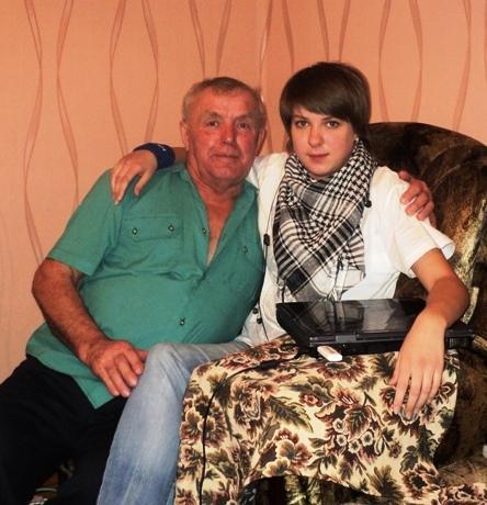 2011.12.12. Кравец Н.И. с внучкой Светой.