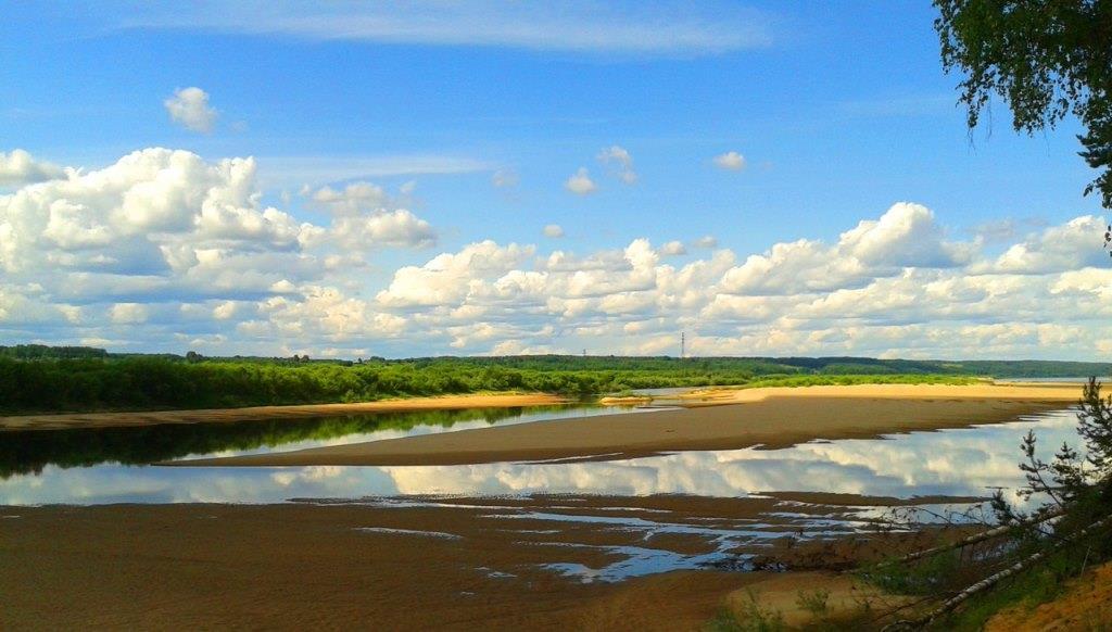21.07.2017, р.Вычегда. Вид с левого берега в районе лысой горы.