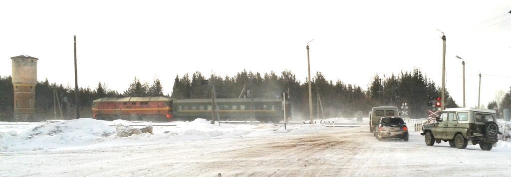 25.03.2015. Зачастую и после прохода поезда переезд может быть закрыт.