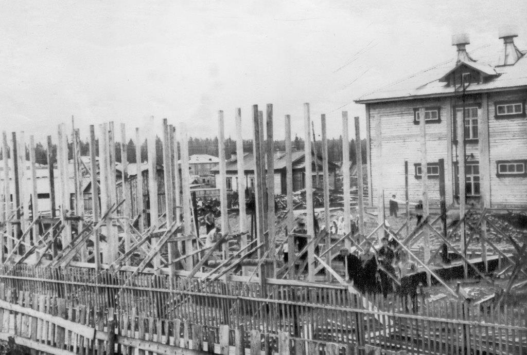 7) 1965-68. УСШ. Строительство школьных мастерских, столовой, клуба.