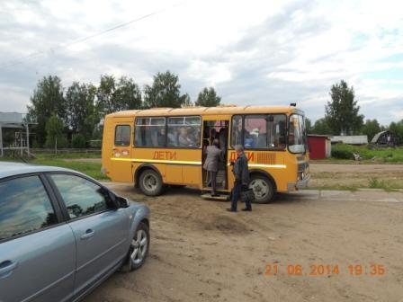 21.06.2014, п.Урдома. Школьный автобус УСШ.