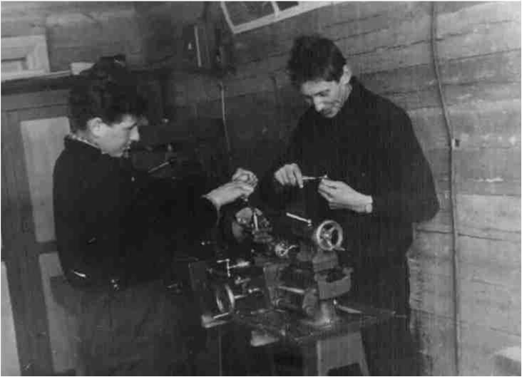 9) 1965-68. УСШ. Строительство школьных мастерских, столовой, клуба. В декабре мастерские были торжественно открыты (6)