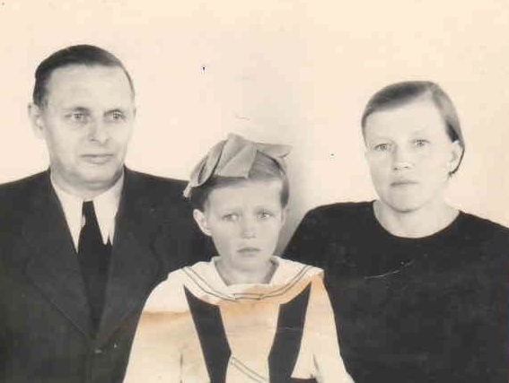 Кистер Анатолий с семьей