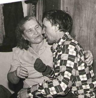 Петр Петрович со своей супругой Марией Григорьевной. Правой кисти у Петра Петровича не было - обморозил.