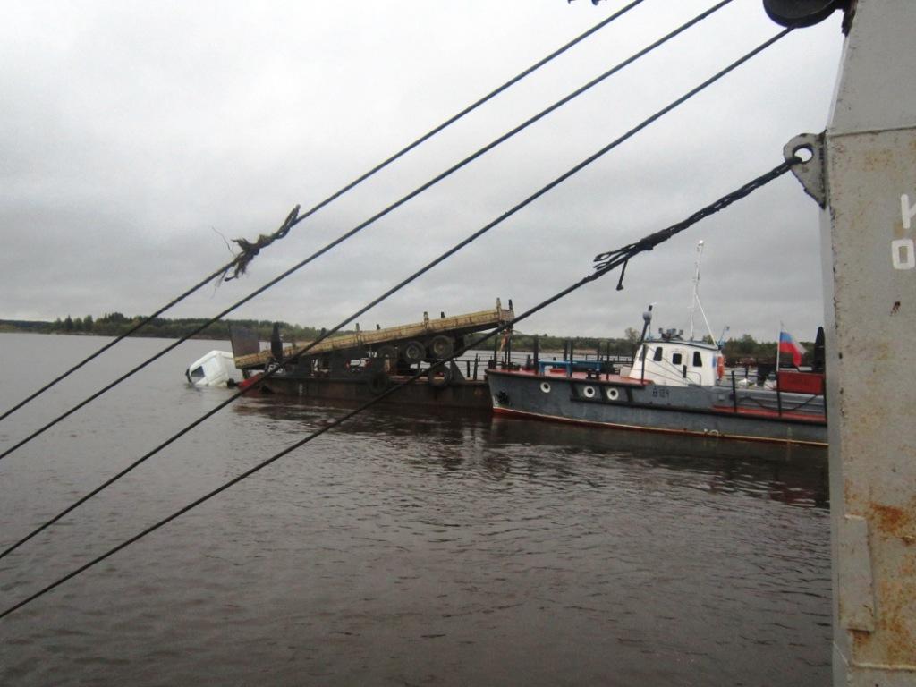 Паромная переправа через р. Вычегда, 12.09.2012 (1)