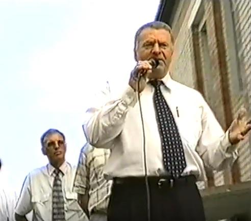 июль 2001, п.Урдома. В.В.Жириновский на грузовике выступает на встрече с жителями поселка.