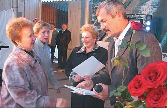 п.Урдома. 40 лет Севергазпром и 35 лет КС-13. Фото Е.Н.Япрынцева, газ.Севергазпром окт.2007.